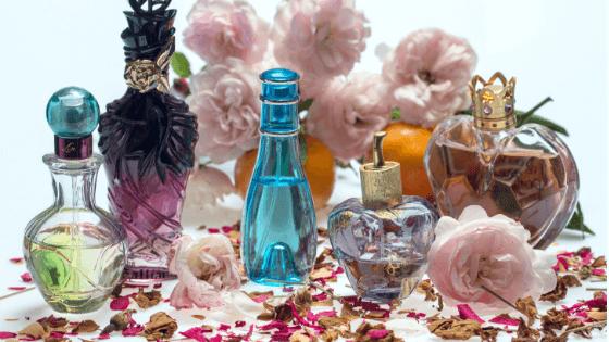 たくさんの香水がハラスメントに繋がる