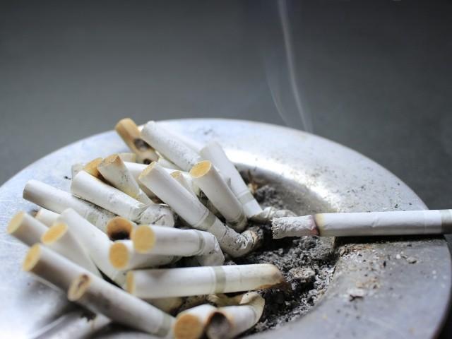 タバコの値上げで止めようか迷っている人の禁煙グッズ
