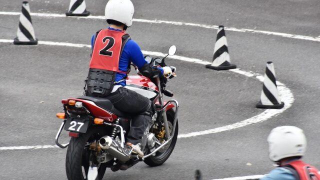 バイクの免許を取るのに必要なお金と日数